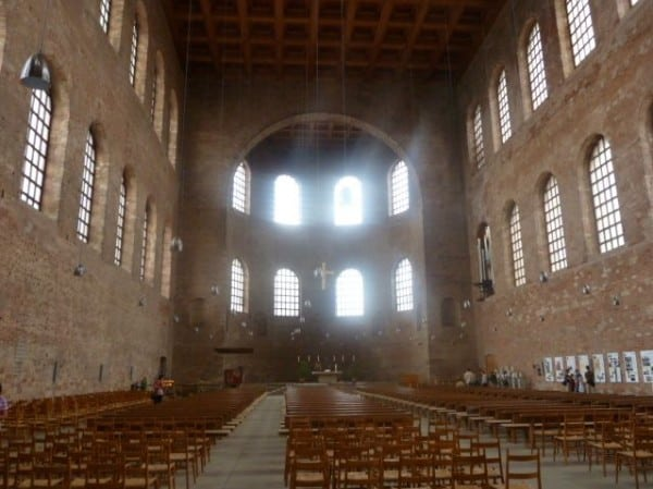 Basillica Konstantin - the largest surviving single room Roman structure